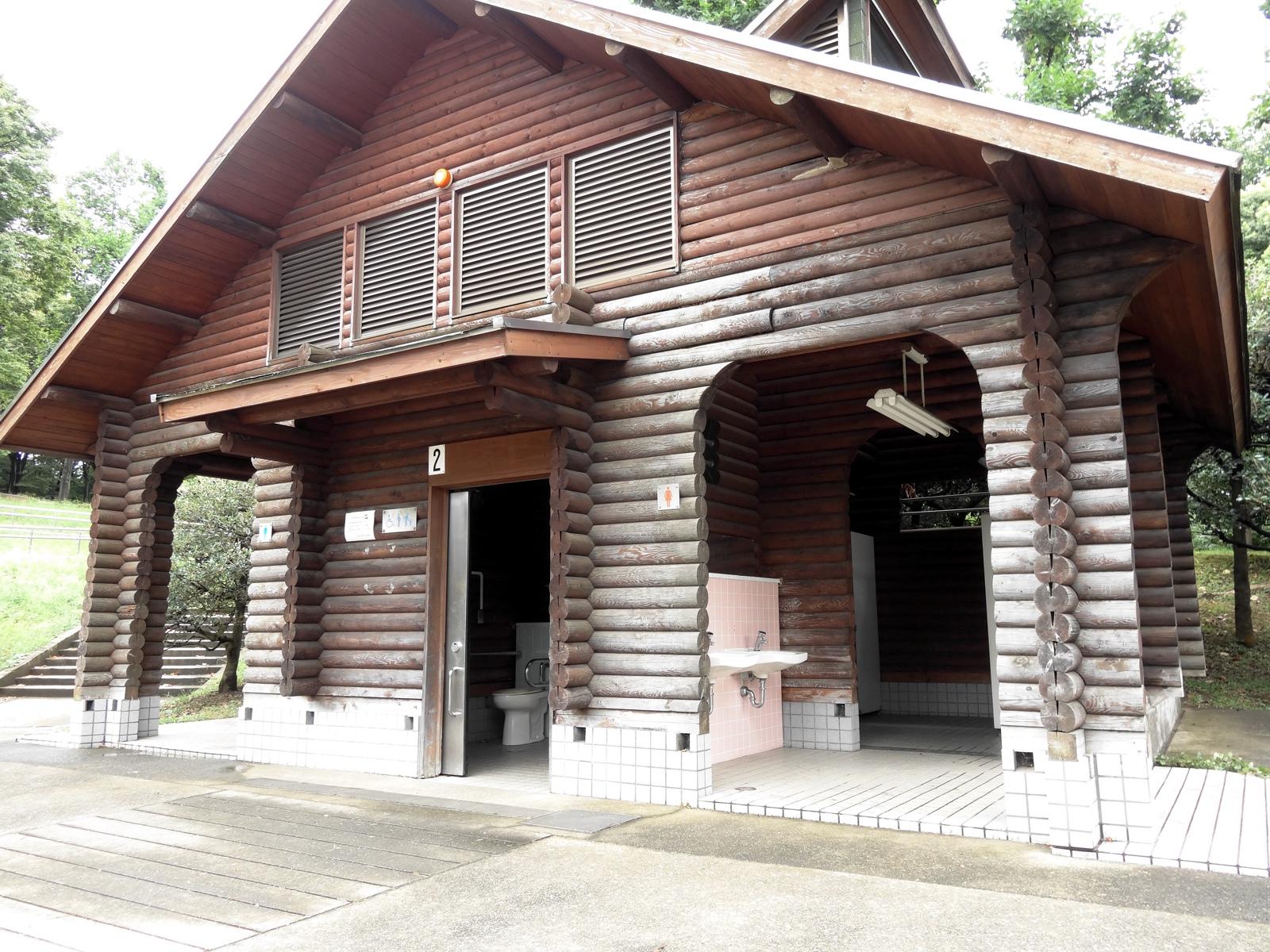 東京都内天サロスポット代々木公園のトイレ